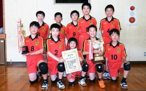優勝を果たした松阪JVCAの選手ら
