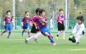 育松会サッカー・プレー