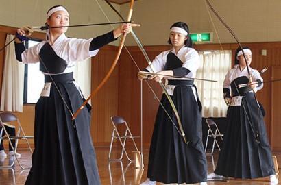201110弓道-女子三重プレー
