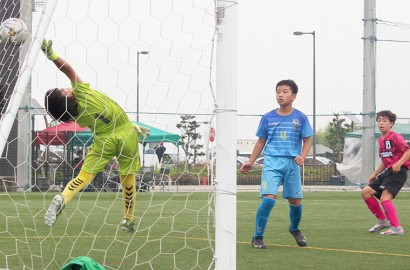 210608少年サッカープレー