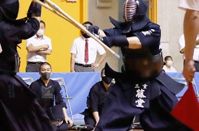 210624三重剣道・準決勝で戦う藤堂主将