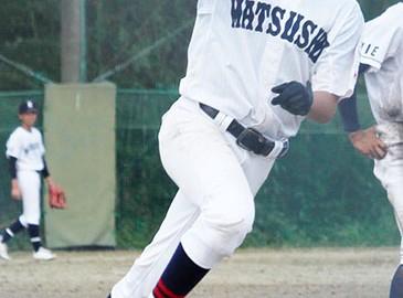 210830野球松阪商プレー