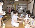 210805村上さんが児童と工作